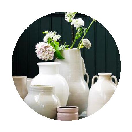 Vases et fleurs